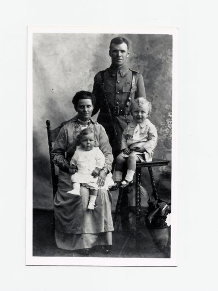 Joseph Henry Minchin - WW1 Photo with Family copy.jpg